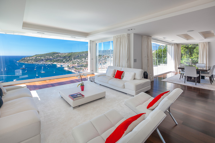 D coration int rieure d une villa villefranche aux abords for Photos deco interieur